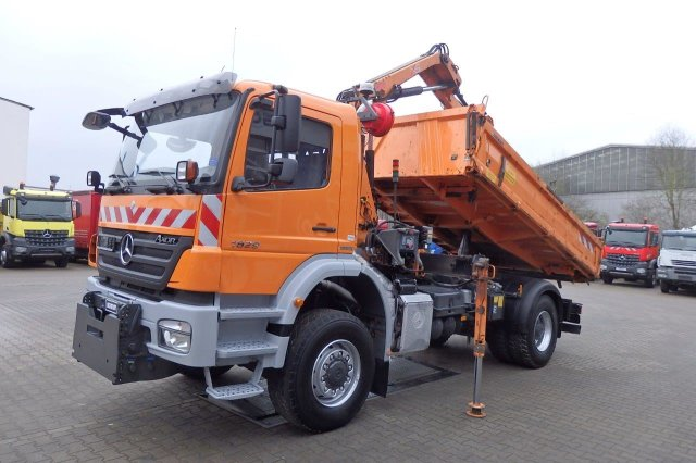 MB AXOR 1829 4x4 EURO4 TIPPER WITH CRANE